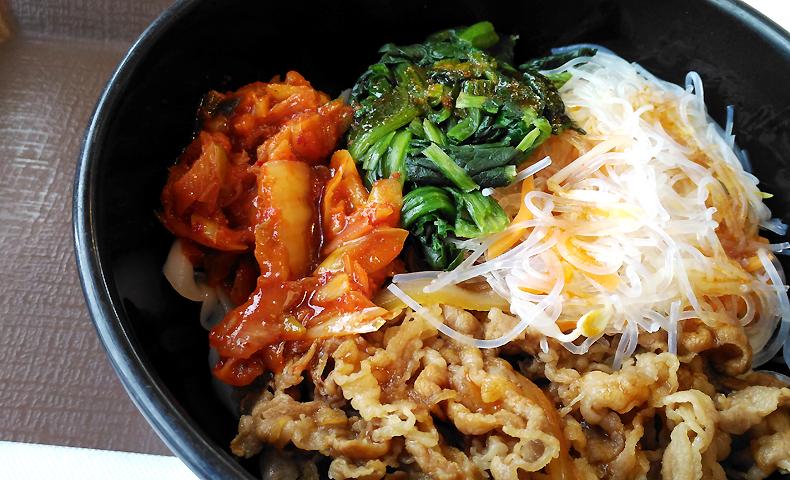 私は二度と食べない。「すき家」の「ロカボ牛ビビン麺」実食レポート