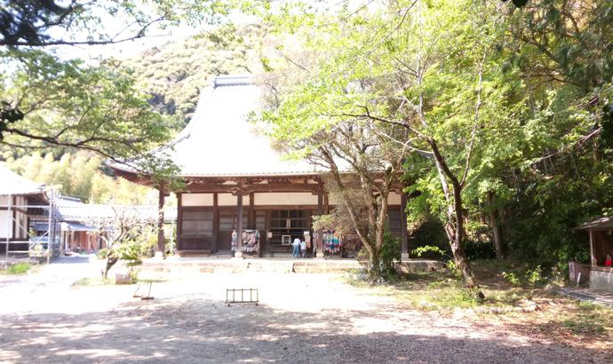 幽霊画で有名な白岩寺