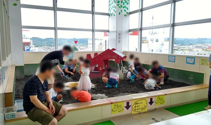 島田市こども館 プレイルーム ぼるね 砂場